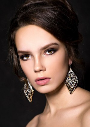 Diana Paplevka for Jewelry Collection by Victoiria Skorova