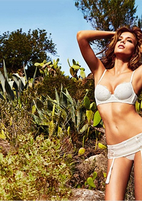 Kate Domankova for Intimissimi Mediterraneo Summer Collection